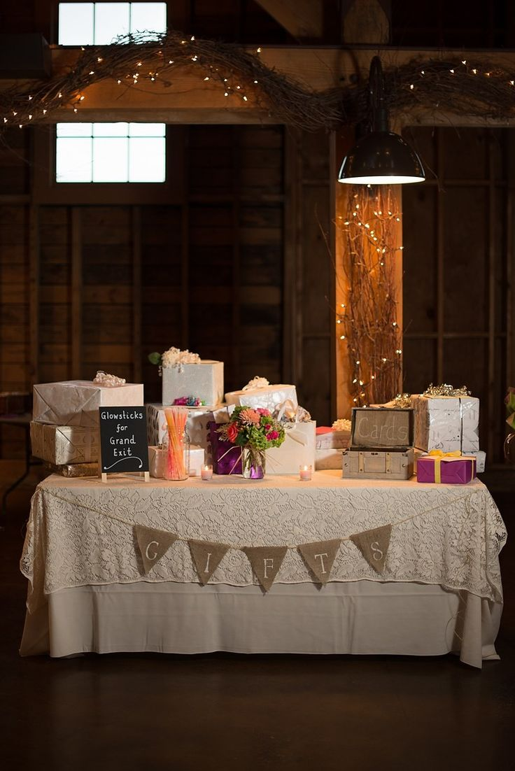 Pictures Of Wedding Gift Tables : ... table on Pinterest Grooms table, Bridal table and Sweetheart table