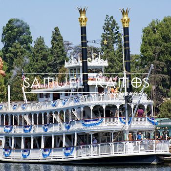 STOCK PHOTOS: Mark Twain RiverboatArchitecture TITLED: Steamboat PHOTOGRAPHER: Samuel Ramos FORMAT: JPEG SIZE: 5809 x 3869 [16.1 MB] KEY WORDS: river, water, boat, river, steamboat, riverboat, travel, American, passenger, image, stock photography, photo, picture ***INSTANT DOWNLOAD***