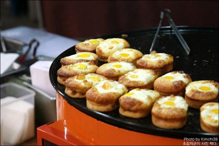 Série comidas de rua: gyeran pan (계란빵), o pão de ovo coreano.