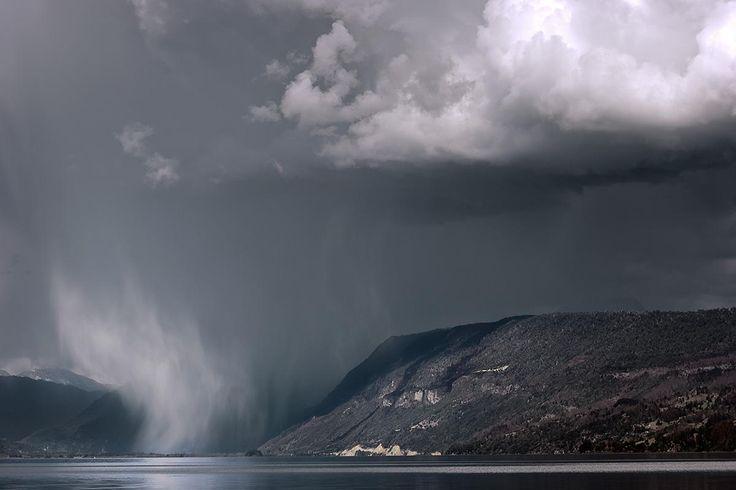 Raining from the other side / Lloviendo desde el otro lado by Freddy Briones Parra on 500px