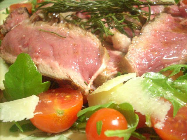 Tagliata di Manzo con Rucola,Pomodorini e Grana