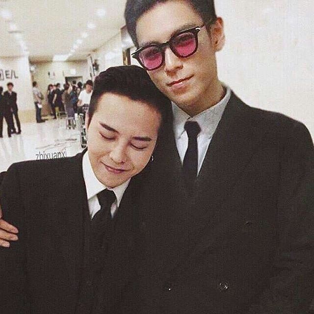 G Dragon and T.O.P ~ OMG I am the same height as T.O.P ...at least GD would a place to rest his head. LOL