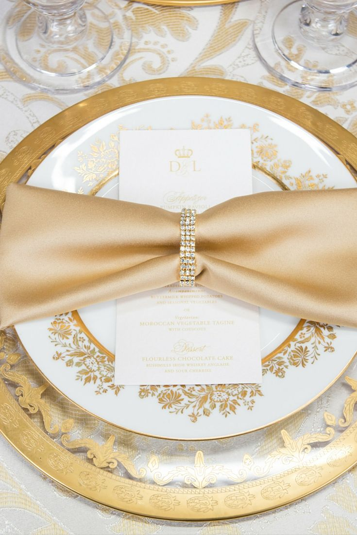 Psst...dazzle your guests with gorgeous table settings just like these. It's all in the details and this napkin ring has simple elegance written all over it.