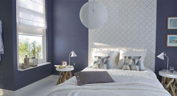 Une chambre aux murs gris qui capte la lumi re gr ce sa Peinture bleu chambre