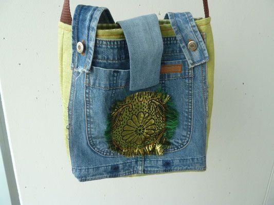 Tasche aus alter Jeans mit Brokat Aplikation