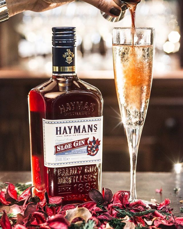 The cordovan hue of our sloe gin marvellously brings a glass of prosecco alive - try it today!  Available at @waitrose  #festive #prosecco #sloegin