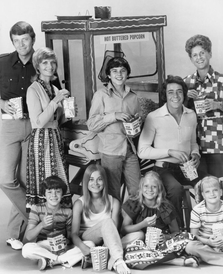 UNITED STATES - OCTOBER 20:  THE BRADY BUNCH - 'Gallery' 1969-1972 Robert Reed, Florence Henderson, Mike Lookinland, Maureen McCormick, Christopher Knight, Eve Plumb, Barry Williams, Ann B. Davis, Susan Olsen  (Photo by ABC Photo Archives/ABC via Getty Images) via @AOL_Lifestyle Read more: http://www.aol.com/article/2016/11/14/mike-lookinland-bobby-brady-where-are-they-now/21605912/?a_dgi=aolshare_pinterest#fullscreen