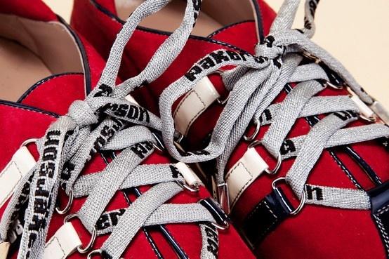 Fine details, excellent shoes. Discover Italian style. - Dettagli di stile, calzature eccellenti. Scopri la classe dell'Hand Made in Italy. http://store.pakerson.it/woman-sneakers-26286-ciliegia.html