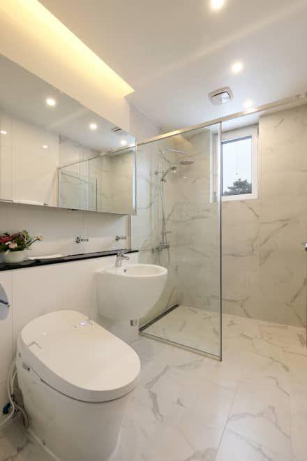 작은 욕실: 위즈스케일디자인의  욕실