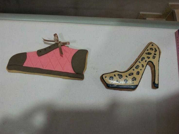 Zapato animal print y zapatilla deporte fashion