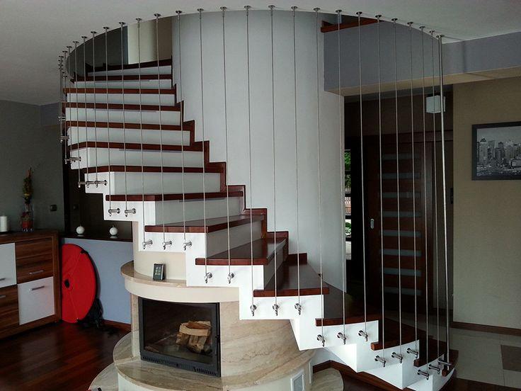 Liny ze stali nierdzewnej to bardzo uniwersalny produkt, który jest wykorzystywany w wielu dziedzinach życia ludzkiego.   http://www.liderbudowlany.pl/artykul/757/liny-nierdzewne-w-architekturze