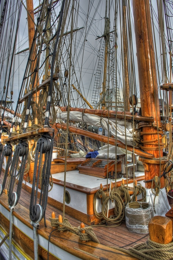 Beautiful rigging lines!  #sailing #tallships