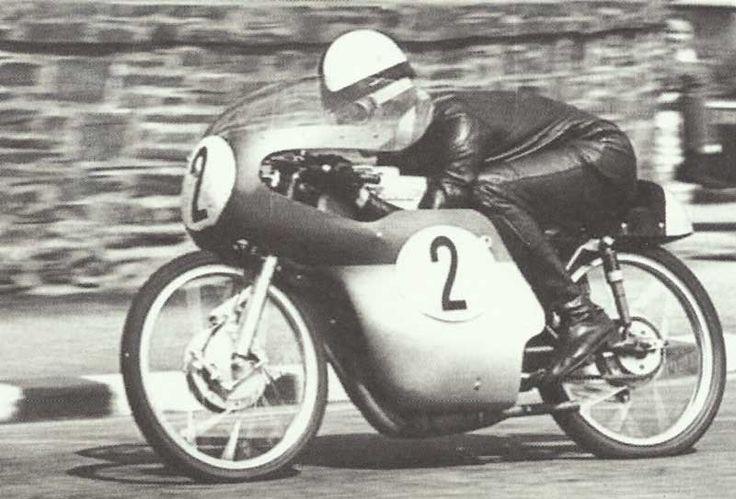 Ernst Degner en Suzuki 50 cc