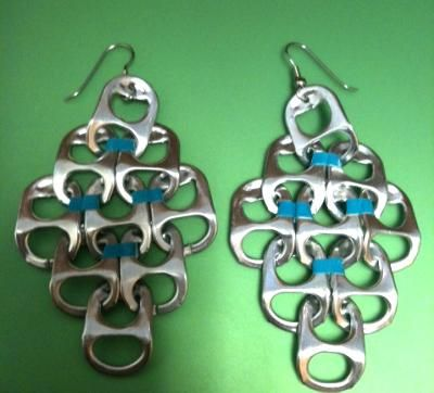 Soda Can Tabs Earrings: In this tutorial I'll show you how to make dangly earrings out of soda can tabs!  I have never been the stud earring type of girl, I have always loved