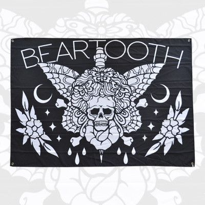 http://www.merchconnectioninc.com/collections/beartooth/products/beartooth-skull-wall-flag