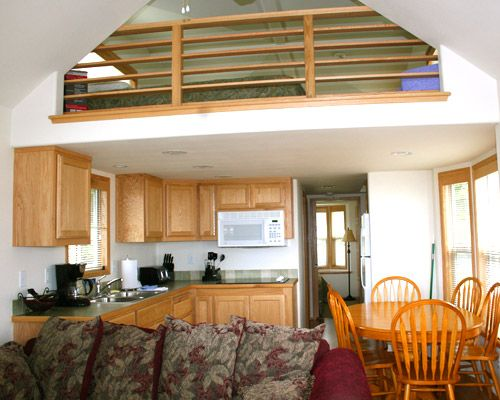 Small cabins with lofts hobuck beach resort washington for Loft rv