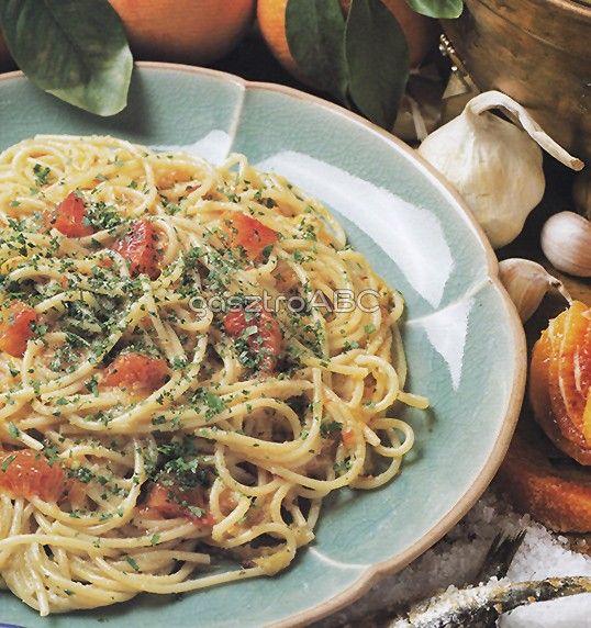 Spagetti vérnarancsos mártással