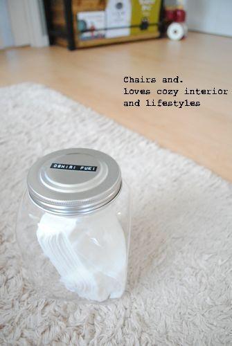 セリアのプラスチック容器にアレを収納 | Chairs and. ナチュラルなインテリアと雑貨と手作りと、日々のこと。