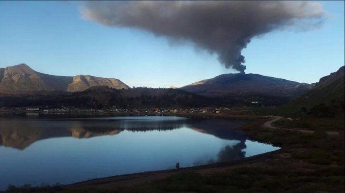 Volcán Copahue en actividad (Neuquén)