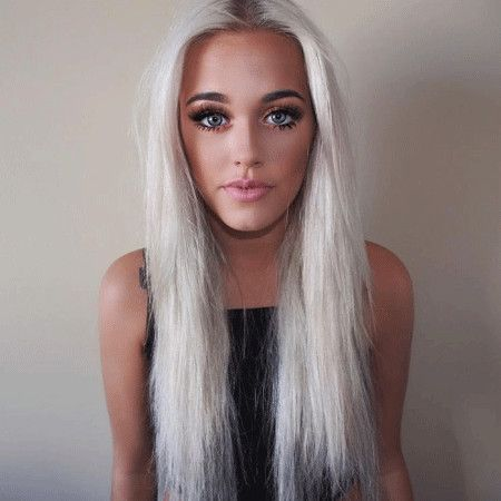 Lottie Tomlinson wiki, affair, married, Lesbian with age