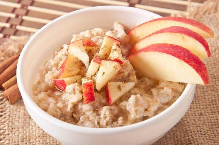 ¿Un fortalecido y nutritivo desayuno? Aquí está la receta! #Avena_con_Manzanas_y_Miel #recetas #desayuno #avena #manzanas #miel #saludable