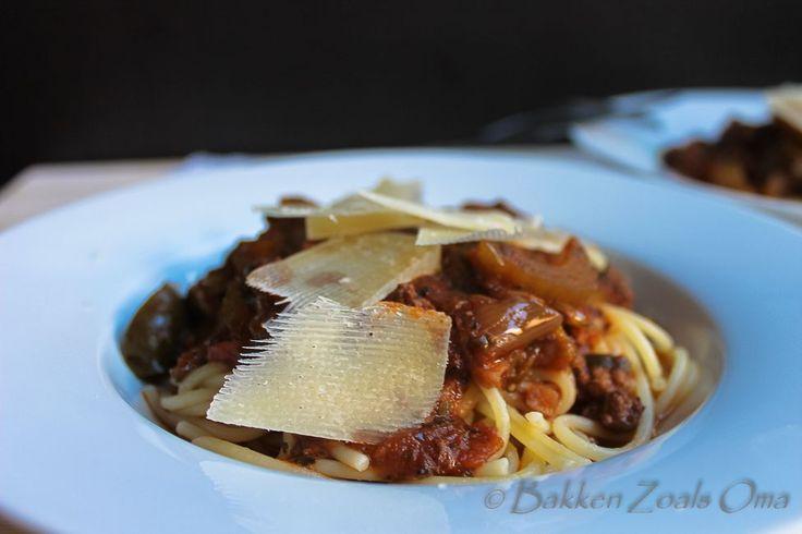 Bolognese saus Ipv bleekselderij wortels en champignons toegevoegd