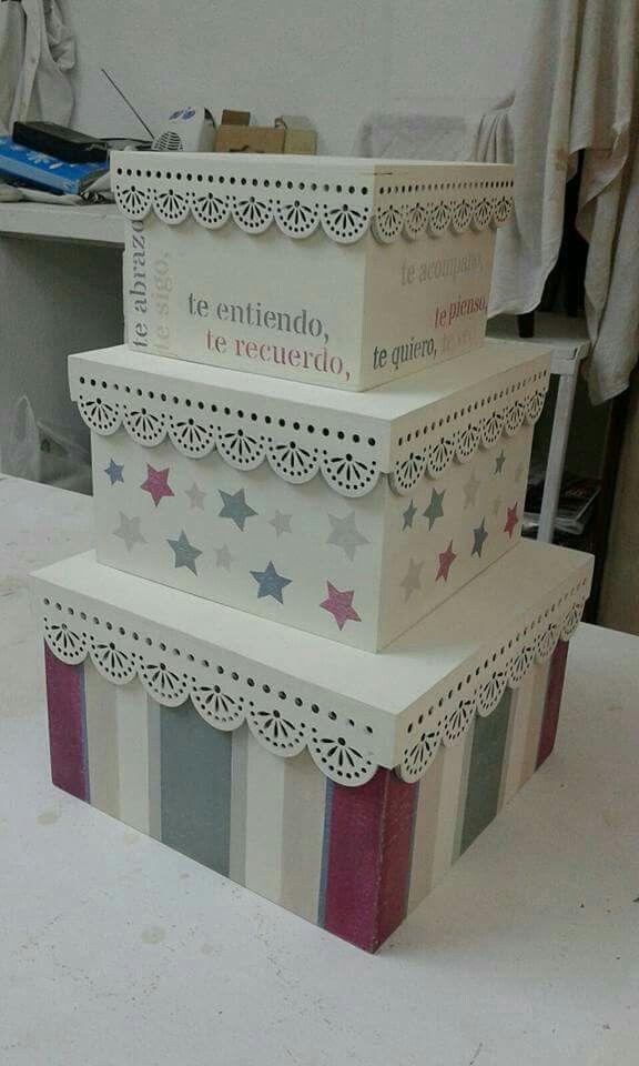 me encanta donde puedo conseguir estas cajas para decorar