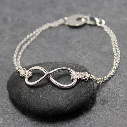 would love this bracelet!Infinity Signs, Jewelry Design, Silver Bracelets, Infinity Bracelets, Infinity Symbols, Infinity Rings, Accessories, Christmas Ideas, Friendship Bracelets
