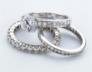 Find Out Why Pave Settings are So Popular for Engagement Rings: Pave Setting Definition