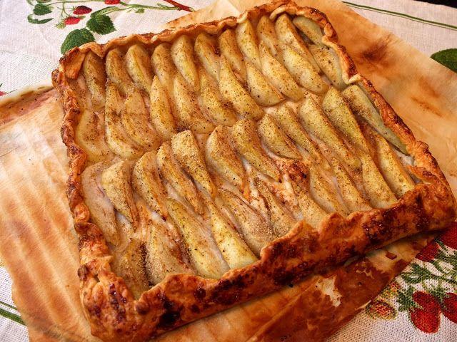 Cocinando con Lola García: Tarta rústica de peras y hojaldre