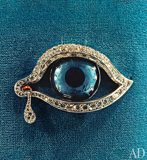 """look it in the eye and embrace it""  Salvador Dalí's Eye of Time brooch. ... Seen it :)"