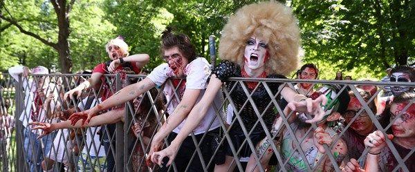 Chicago caddelerini 'zombiler' bastı