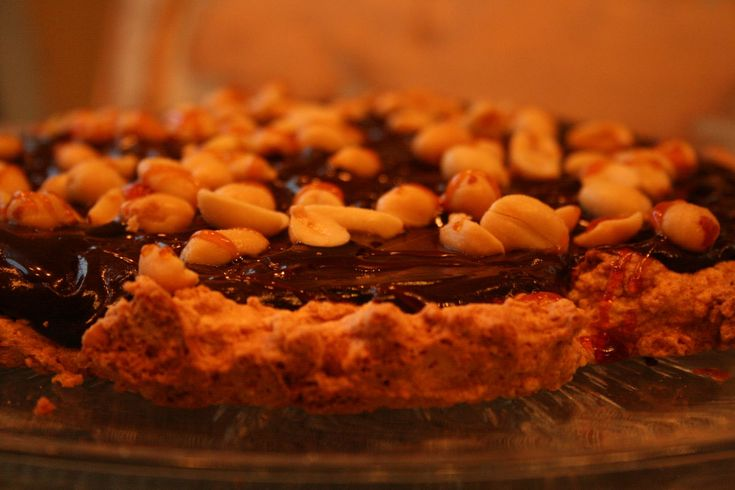 Peanøttkake med sjokolade og karamell (Snickerskake) – Gluten- og melkefri inspirasjon