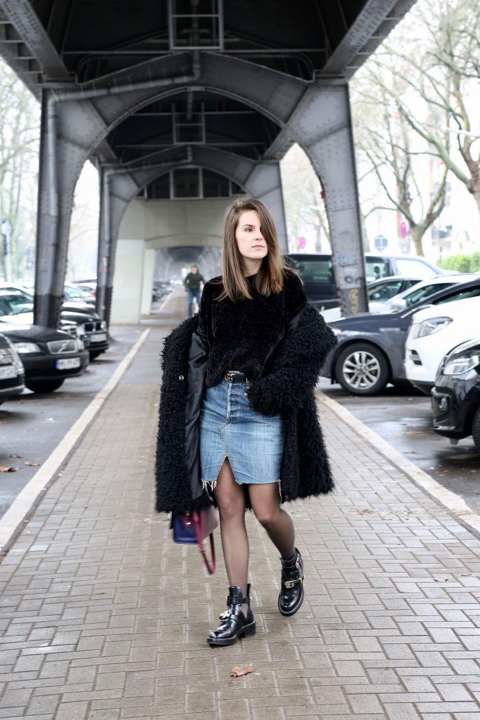 Hamburg Streetstyle im Winter - Jeans Rock, Schwarzer samt Sweater und Balenziaga Boots