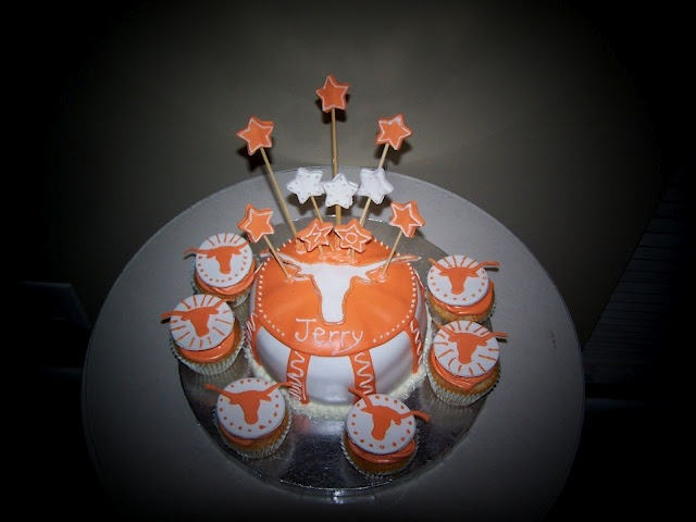 Texas Longhorns Cake and Cupcakes LOVE IT