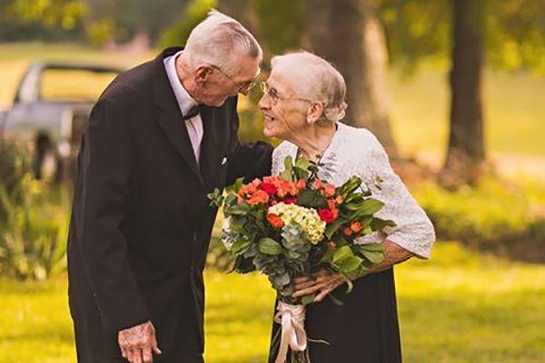 #LoveGoals: Dieses süße Paar hat gerade seinen 65. Hochzeitstag gefeiert!!!! - Très Click