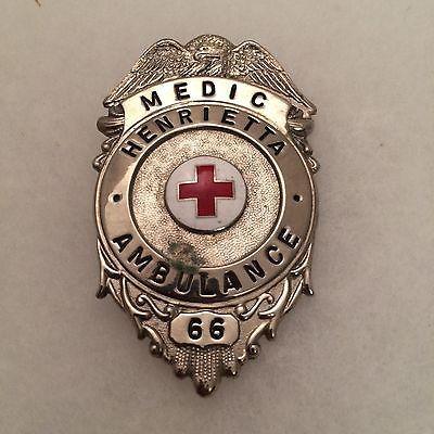 Vintage-Obsolete-Henrietta-NY-Ambulance-medic-badge-eagle-top-number-66