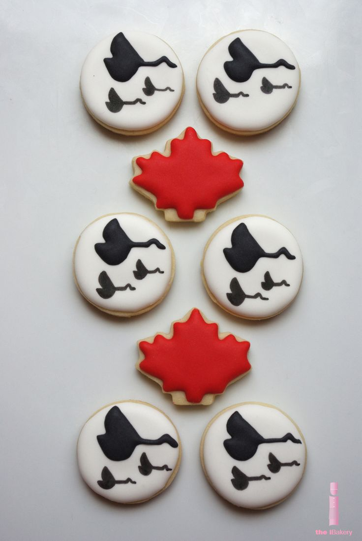 Canada Day themed cookies  - similar designs can work on pottery