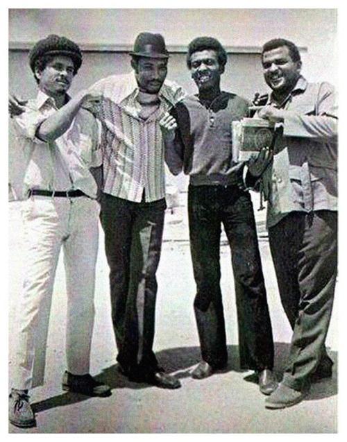 DENNIS ALCAPONE, DERRICK MORGAN, JIMMY CLIFF & BUNNY 'STRIKER' LEE at Dynamic Sounds, Jamaica 1971