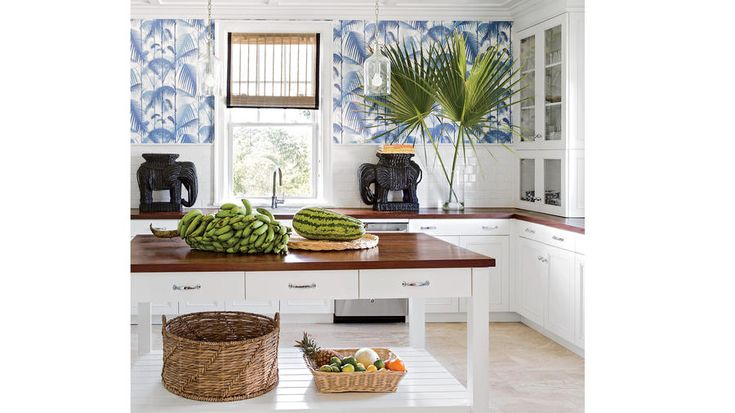 Palm Perfect | Vacation-worthy décor doesn't have to be reserved for your next island getaway. These tips will help you create your own breezy paradise right at home.