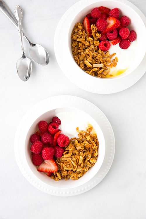 Coconut Granola - this granola is delicious! It uses coconut oil instead of butter or vegetable oil. Easy to make too! @Jaclyn Booton Booton Booton Bell {Cooking Classy}