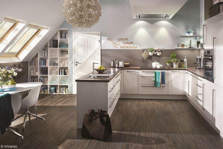 eine offene wohnk che unterm dach bei optimaler raumausnutzung die topateam schreiner und. Black Bedroom Furniture Sets. Home Design Ideas
