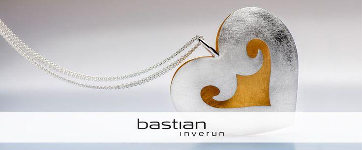 Schmuck ist Herzenssache bei bastian inverun, im wahrsten Sinne des Wortes.