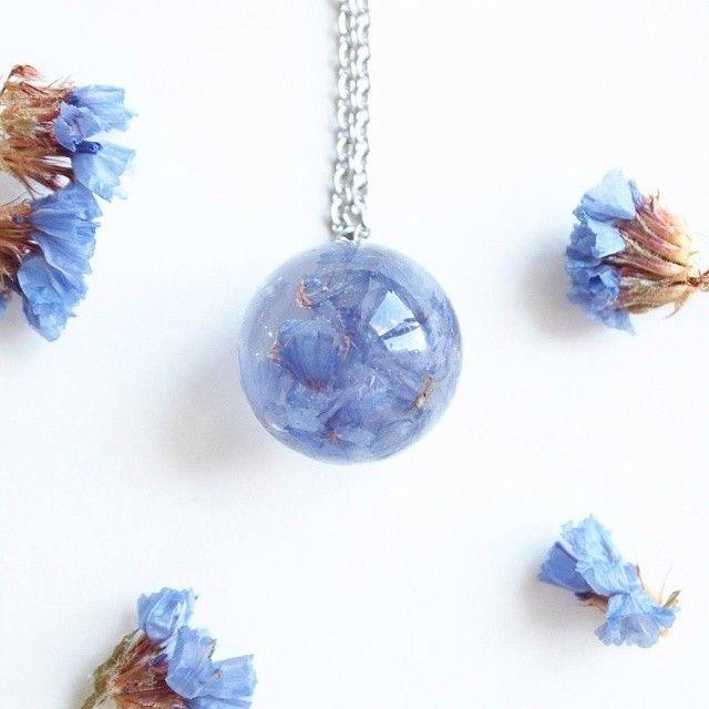 Синий лимонник в шаре на цепочке из нержавеющей стали, 500 р. #serenity #эпоксиднаясмола #ювелирнаясмола #екатеринбург #уфа