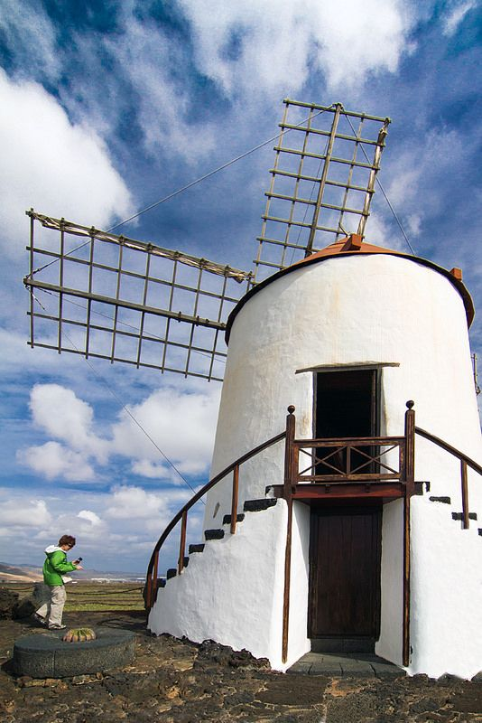 #Windmill in Cactus Garden, #Lanzarote, Canary Islands -  - www.gdecooman.fr portfolio, cours et stages photo à Lille, visites guidées de Lille
