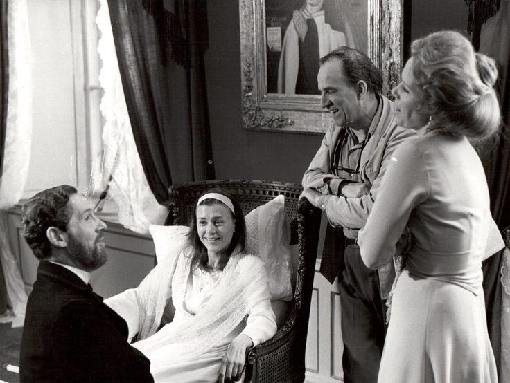 Ингмар Бергман, Эрланд Юзефсон, Лив Ульман и Харриет Андерссон на съёмках фильма «Шёпоты и крики».