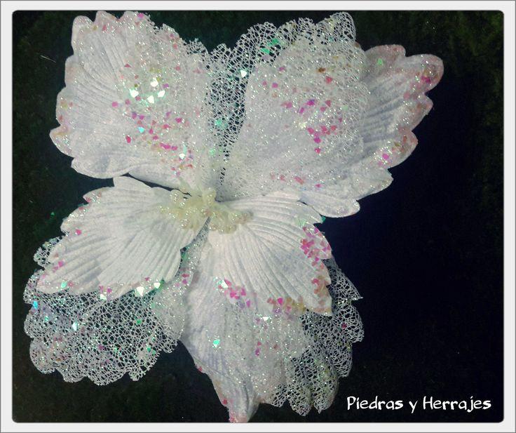 Flor escarcha grande   Ref: 65504   Medidas: 49cm  Color: Blanco Unica Cel.3127994768 Cristina Tel.511 78 17 Medellín-Colombia