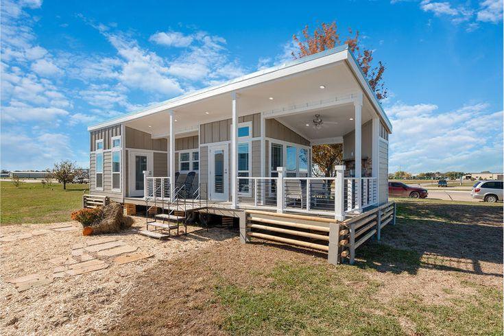 2019 Champion Flat Head Lodge Park Models Rv For Sale In Spokane Washington Rvt Com 266070 Small Beach Houses Tiny House Cabin Tiny House Design