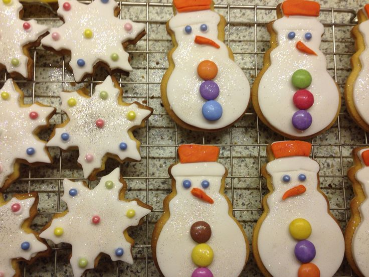 Snowman and snowflake sugar cookies - perfect for the little ones!