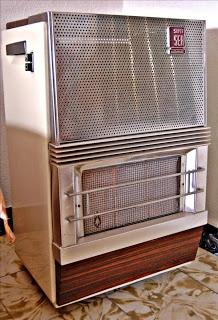 La estufa...que fuerte, todos pegaos y con un olor a gas en toda la casa que tiraba pa trás